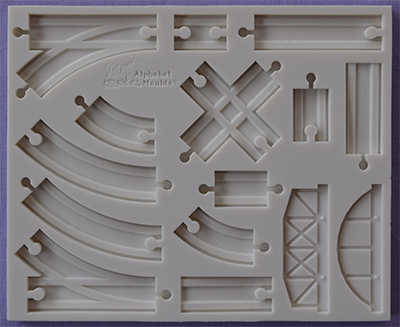 Foto: Alphabet moulds - binari del treno am0255